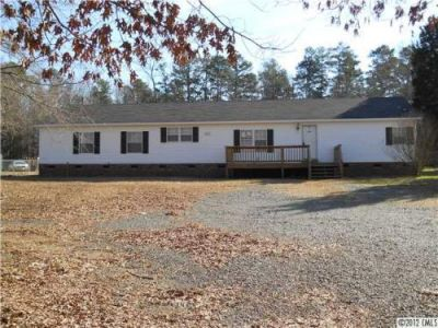 Convenient 4 Bedroom 3 Bath Home In Matthews, On Almost A Full Acre