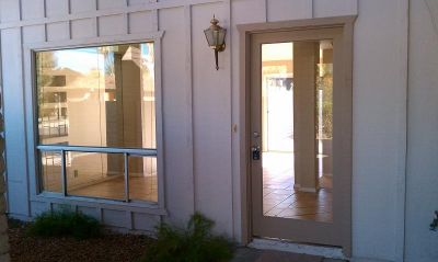 Fabulous 3 bedroom, 2 bathroom home located in Phoenix! Rent to own AZ homes NOW
