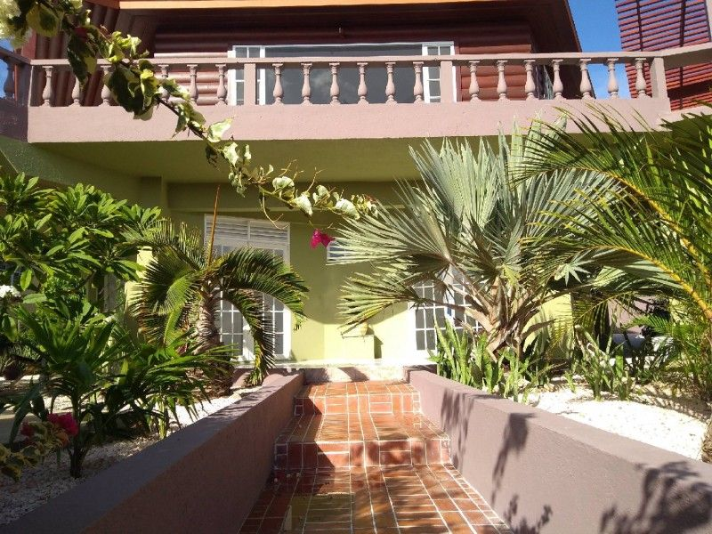 Villa with big swimming pool for sale in CURACAO CAS ABOU