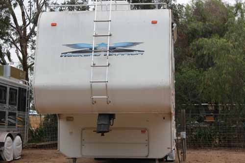 Weekend Warrior 5th Wheel Trailer Custom Designed 37.5 Foot – Like Newa