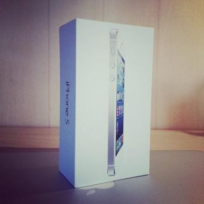 Brand New Released: Apple Iphone 5 16gb/32gb/64gb Factory Unlocked,samsung Galaxy S3