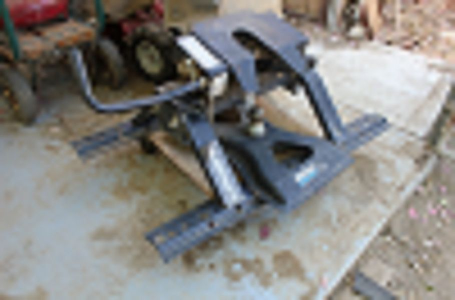 5Th Wheel Reese Hitch and Husky Gooseneck Hitch for Fifth Wheel Rails