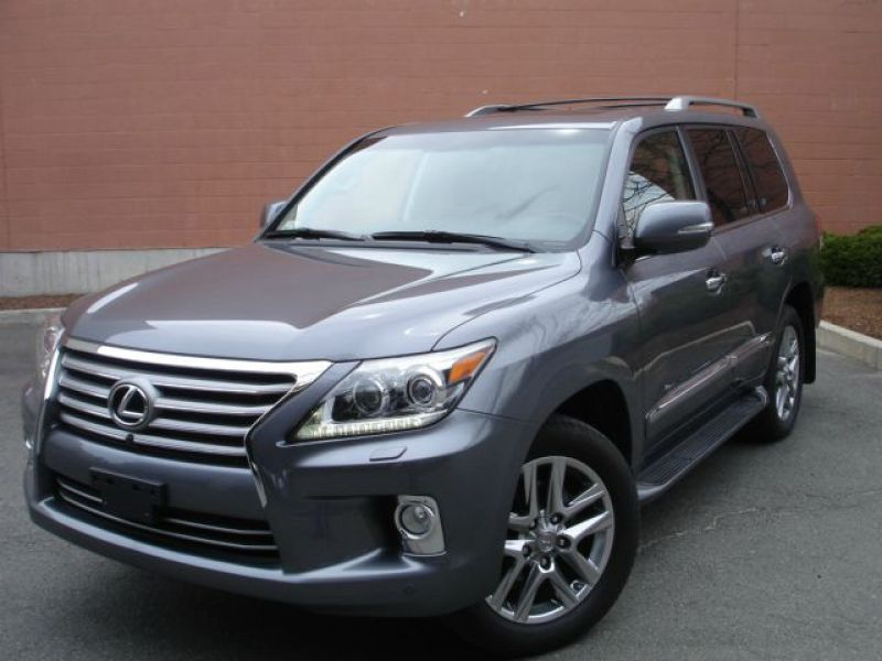 For sale: 2013 Lexus LX 570 4WD 4dr SUV Jeep Full Options Perfect Condition ........