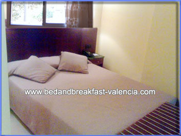 B&B in Valencia, cheap bedandbreakfast-valencia.com only 13€ from Google