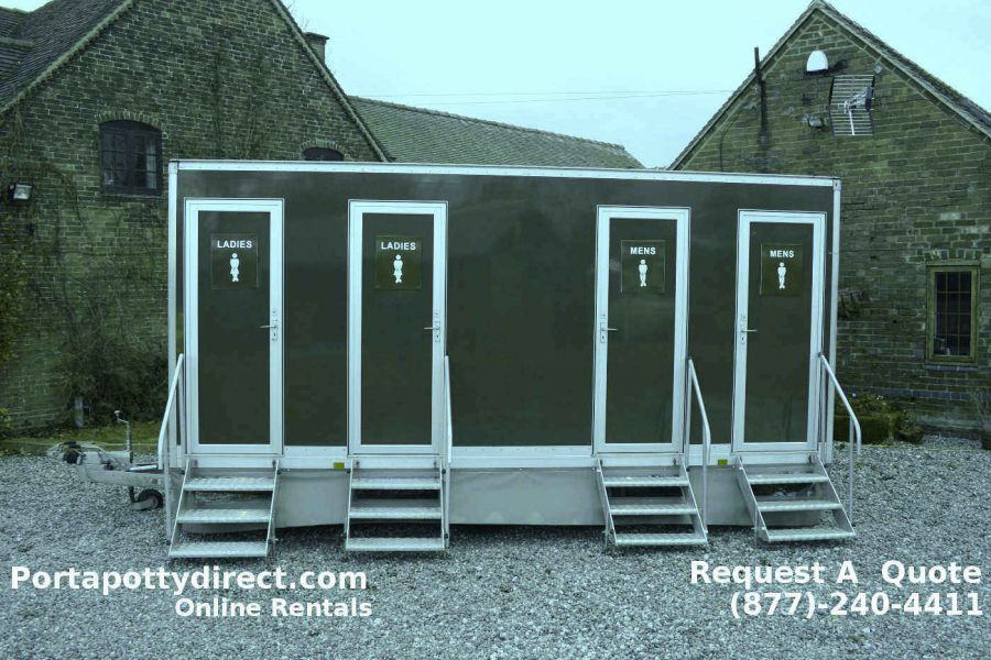 Deluxe Portable Restrooms With Luxury Amenities