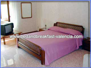 Accommodation valencia,cheap b&b valencia, B&B Valencia only 13€ from Google