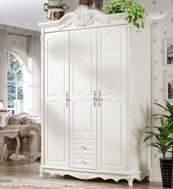 Hanfeier European style wardrobe with three doors