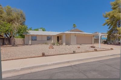 Beautiful Home in desirable Mesa Location!