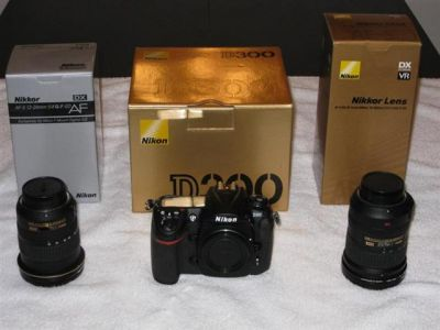 Nikon D300S Digital SLR Camera with Nikon AF-S DX 18-200mm lens