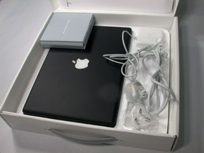 For Sell: Apple MacBook Pro - Core 2 Duo 2.5 GHz - 17 2 GB Ram - 250 GB HDD  $1100USD
