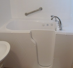 Looking for Portable Walk-In Bathtubs by TOTAL FOCUS - Bathingsafety.net