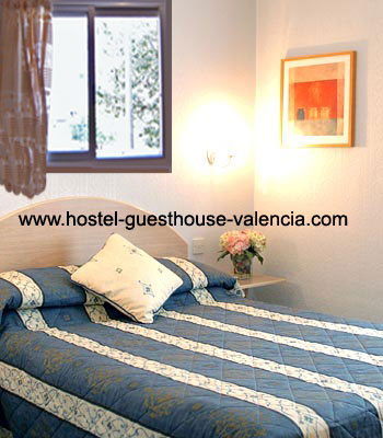 Las Fallas Guest House cheap accommodation only 70€/night for 2 people