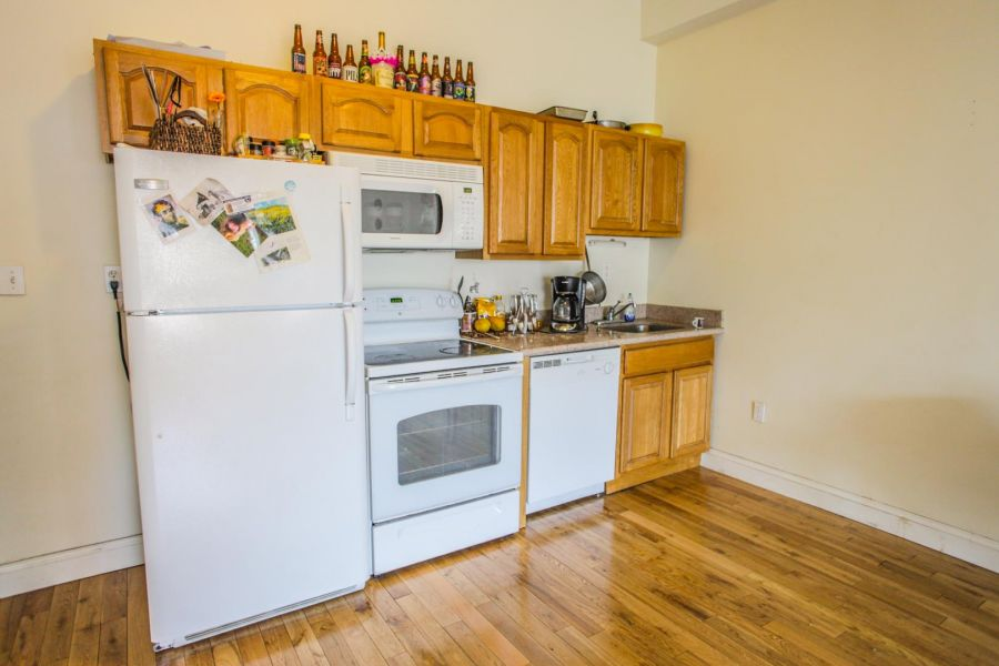 2 bedroom apartments for Rent 4447-4443 Chestnut Street